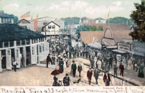 1906s_crescent_park_riverside_ri_carousel_postcard_01