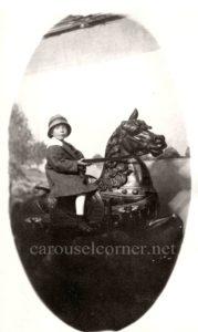 1914_Looff_carousel_horse_03