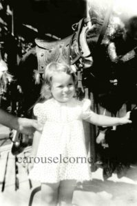 1940s_Hirshell_carousel_02