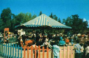 1950s_tio_vivo_taos_nm_carousel_postcard_01