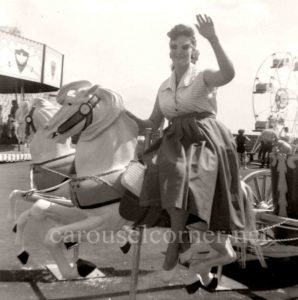 1956_Looff_carousel_horse_02