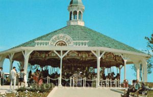 1960s_ringling_brothers_circus_postcard_fl_carousel_01