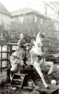 Dentzel_carousel_horse_01