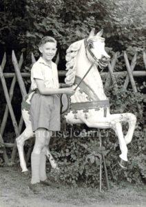 Eurpean_carousel_horse_01
