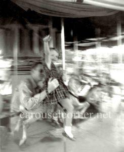 Kiddie_hershell_carousel_1950s_01