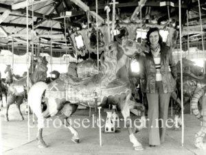 Lakeside_park_Dover_PA_carousel_01