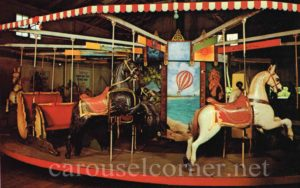 Oak_bluffs_ma_postcard_carousel_02