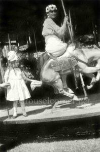 Spillman_bucking_carousel_01