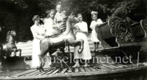 Unknown_carousel_01